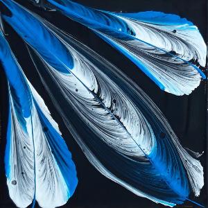 Acryl gieten en in het bijzonder de string pulling techniek. Hiermee maak je mooi schilderijen, zoals deze veer.